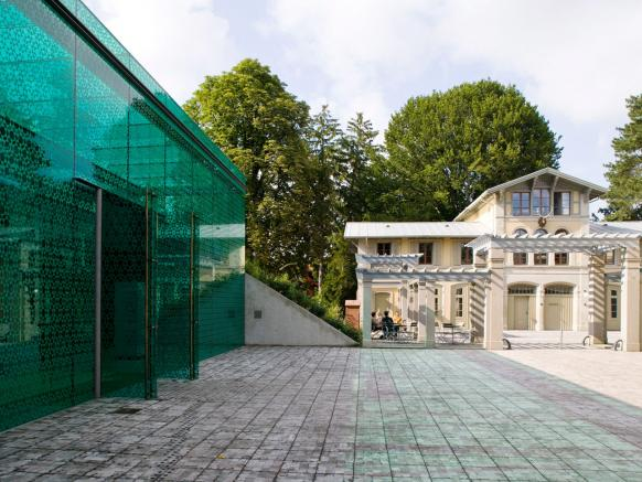 The Rietberg Museum in Zurich and its emerald entrance