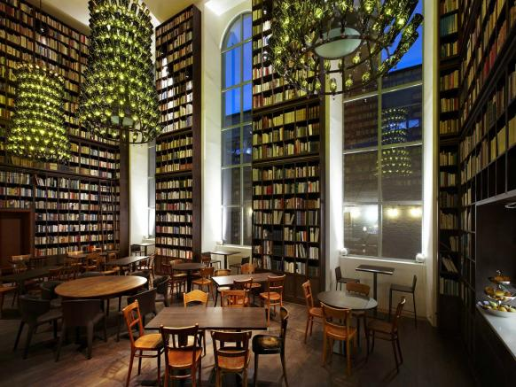 B2 Boutique Hotel + Spa - Library